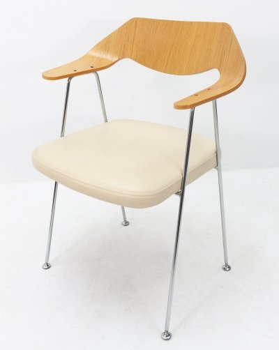 Model 675 arm chair by Robin Day, 1980s
