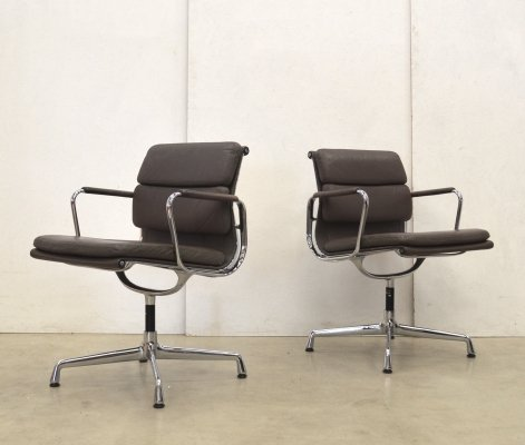 2 x EA208 Soft Pad office chair by Charles & Ray Eames for Vitra, 1980s
