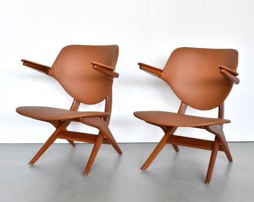 Two leather Pelican lounge chairs by Louis van Teeffelen for Wébé, 1950s