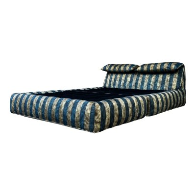 Italian Modern Le Bambole Striped Daybed by Mario Bellini for B&B Italia, 1976