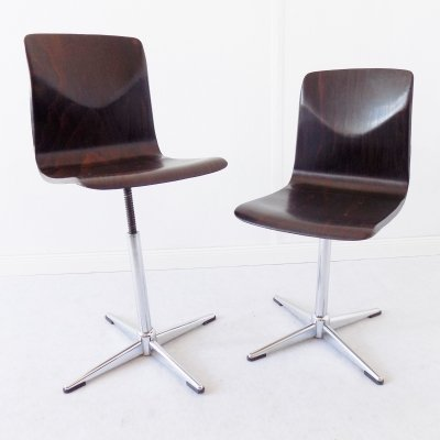 Thur Op adjustable chairs