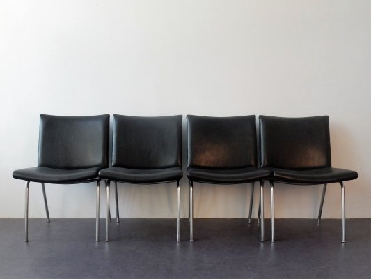 Set of 4 'AP 40' Airport Chairs by Hans Wegner for AP Stolen, Denmark