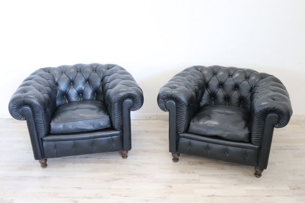 Pair of Leather Chesterfield Armchairs by Poltrona Frau, Italy 1960s