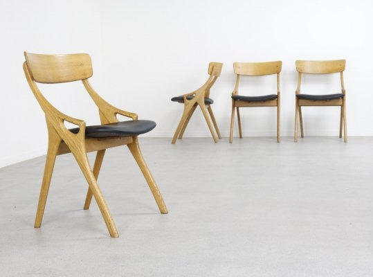 Set of 4 dining chairs in oak & leather by Arne Hovmand Olsen, DK 1960s