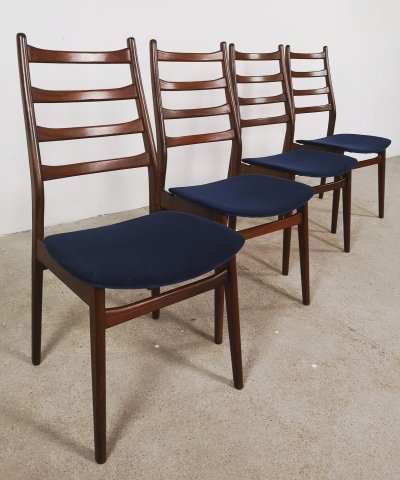 Set of 4 Casala chairs in velvet blue