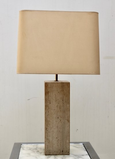 Table lamp with square travertine base