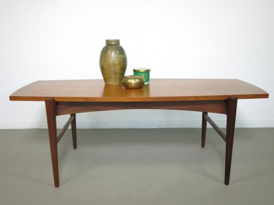Teak coffee table with a reversible top
