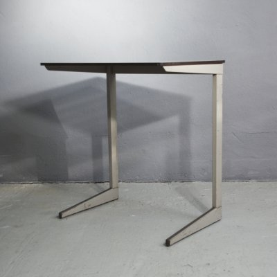 Small 'result' desk by Friso Kramer for Ahrend De Cirkel, 1950s