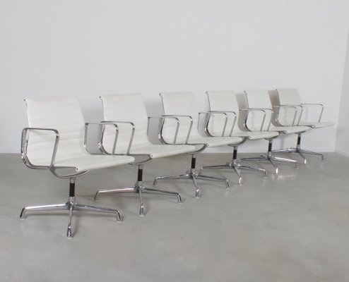 Set of 6 Charles & Ray Eames EA 107 Aluminum Group Chairs in White Leather, 1970s