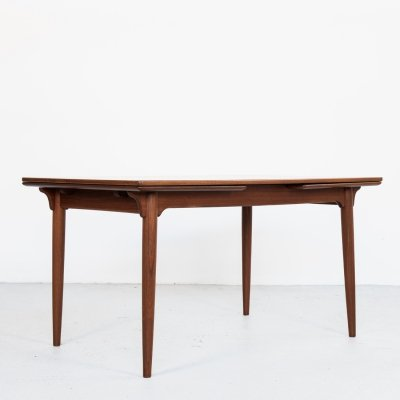 Midcentury Danish extendable dining table in teak by Omann Jun, 1960s