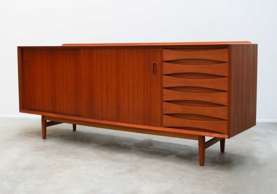 Danish sideboard Model: OS29 by Arne Vodder for Sibast Furniture, 1950s