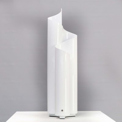 Vico Magistretti 'Mezzachimera' table lamp for Artemide