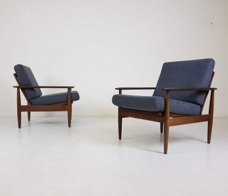 Set of 2 Scandinavian modern lounge chairs, 1960's