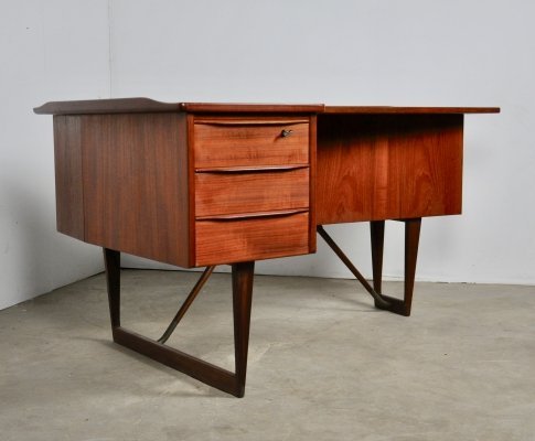Boomerang Desk by Peter Løvig Nielsen for Løvig, 1950s