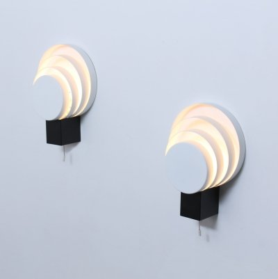 Graphic black & white metal Cumulus wall lights by Raak