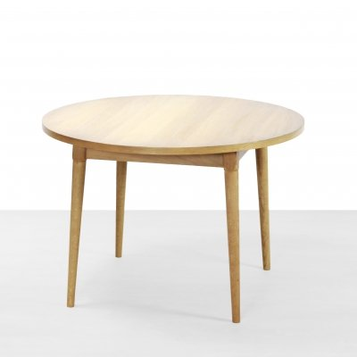 Round oak dining room table