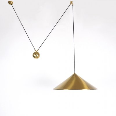 Large brass counter balanced 'Keos' hanging lamp by Florian Schulz, 1970s
