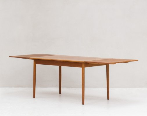 Dining table by Willy Sigh for H. Sigh & Søns Møbelfabrik, 1960s