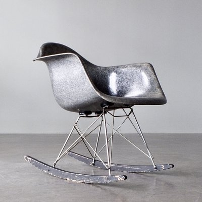 1st generation elephant hide grey rope edge Rocking Armchair by Charles & Ray Eames, 1940s