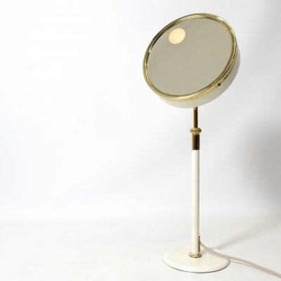 Height adjustable light / Magnifying mirror
