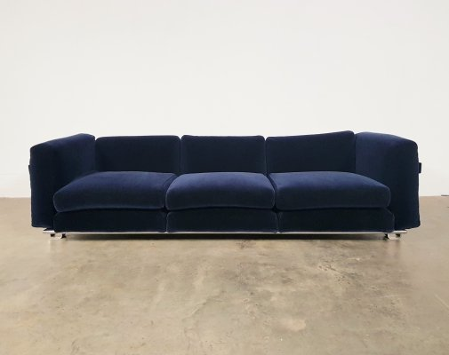 Early edition Luigi Caccia Dominioni sofa in royal blue velvet, 1960s