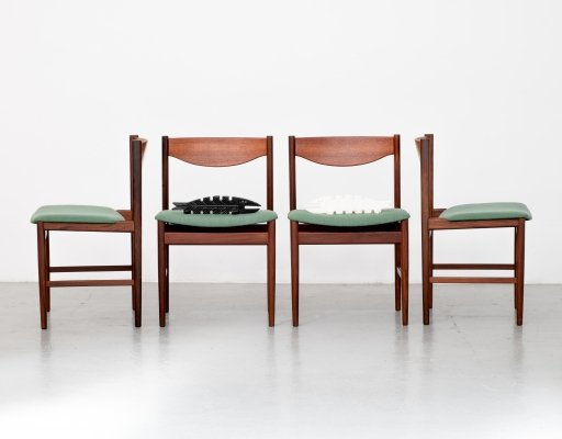 Set of 4 dining chairs by Ib Kofod Larsen, 1960s