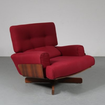 1964 Model 401 lounge chair by M. Taro for Cinova Italy
