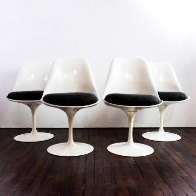 Set of 4 Tulip chairs (non swivel version) by Eero Saarinen