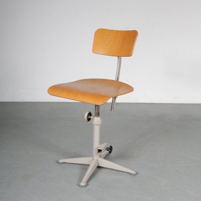 Adjustable working chair by Friso Kramer for Ahrend de Cirkel, 1950s