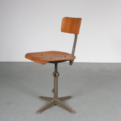 Early model working chair by Friso Kramer for Ahrend de Cirkel, 1950s
