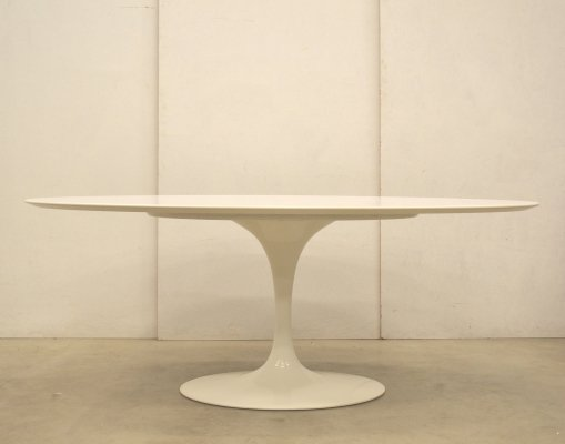 Dining table by Eero Saarinen for Knoll, 1990s