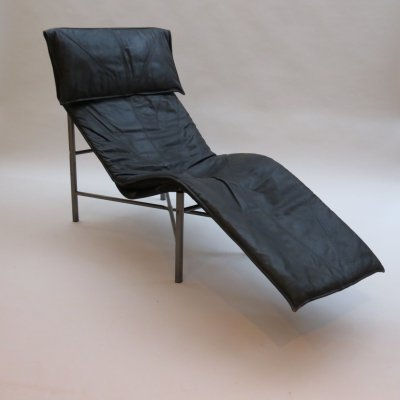 1970s Swedish Black leather Chaise Longue by Tord Bjorklund