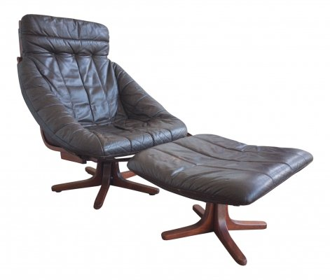 Brown Leather Lounge chair with ottoman