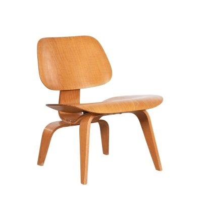 Ash LCW chair by Charles & Ray Eames for Evans Products, 1947