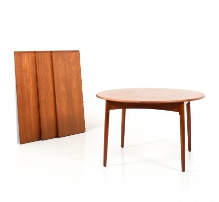 High Quality Danish Teak Dining Table with bevel Legs, 1960s