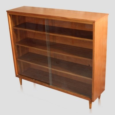 Small vintage teak bookcase / book shelves with sliding glass doors, 1960s
