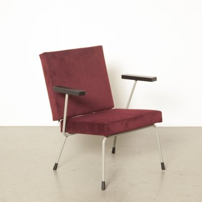Gispen armchair model 1401 by Wim Rietveld in burgundy red velvet/velour