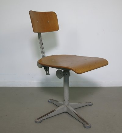 Industrial height adjustable drafting chair by Friso Kramer, 1960s