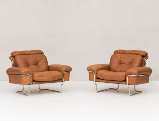 Set of 2 cognac leather & chrome lounge chairs, Italy 1970's