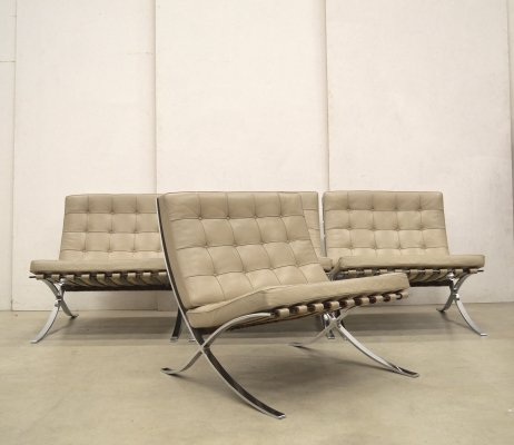 4 x Barcelona lounge chair by Ludwig Mies van der Rohe for Knoll, 1980s
