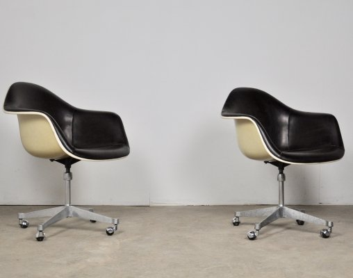 2 Leather Office Chairs by Charles Eames for Herman Miller, 1970s