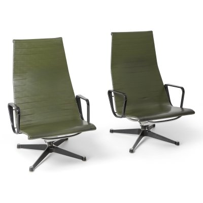 Charles & Ray Eames EA124 lounge chairs in Green Leather by Herman Miller, 1970s
