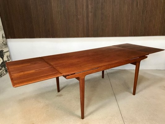 Danish Extendable Teak Dining Table by Johannes Andersen for Uldum, 1960s