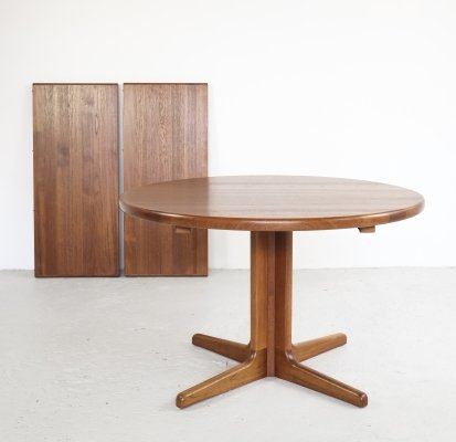 Extendable Danish dining table in solid teak, 1960s