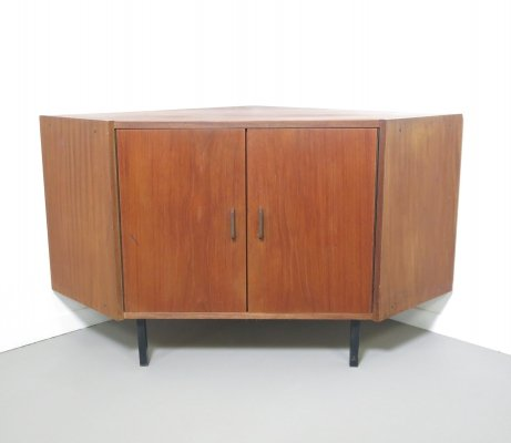 Small teak corner chest, ca 1960