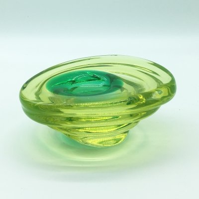 Yellow Sommerso Murano glass bowl with green inclusion, 1960's