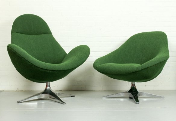 Pair of Rohe Noordwolde lounge chairs with aluminium crossfoot, 1960s