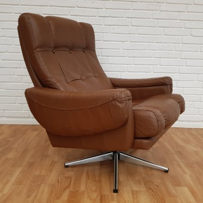 Brown leather lounge chair, 1970s
