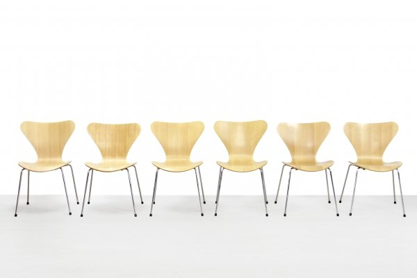 Set of 6 model 3107 dining chairs by Arne Jacobsen for Fritz Hansen, 1990s