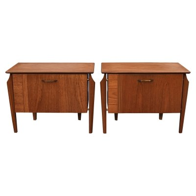 Pair of Wébé teak night stands